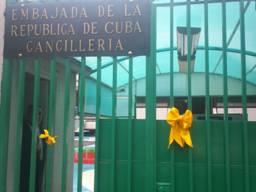 Fotos EmbaCuba Mexico - Listones Amarillos Solidaridad (1)