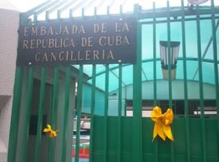 Fotos EmbaCuba Mexico - Listones Amarillos Solidaridad (3)