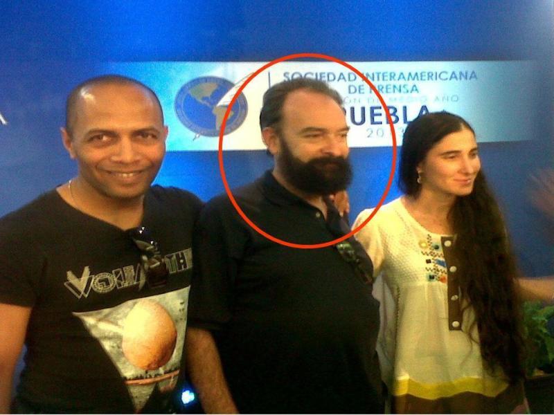 Emilio López Ferrer (centro) y Yoani Sánchez. Foto: Especial
